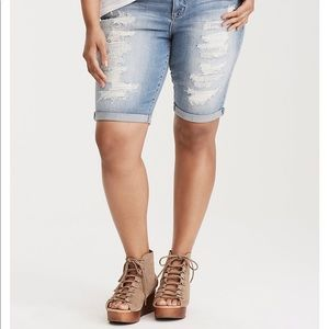 New with tags Bermuda shorts